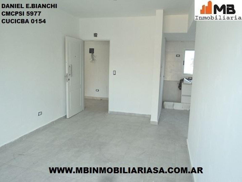 Avellaneda venta dpto 2 amb. c/balcón en Palaa al 400 1°D