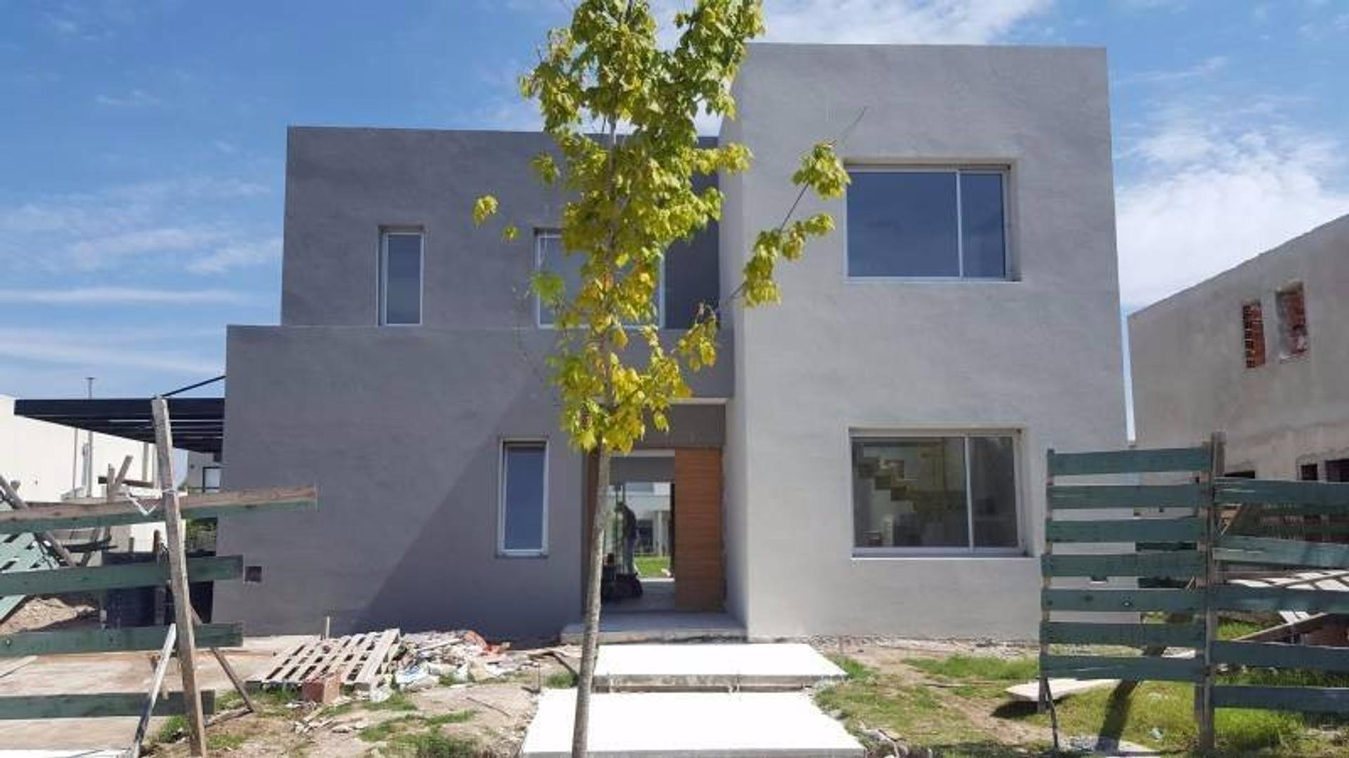 Excelente casa en venta en Las Tipas, Nordelta