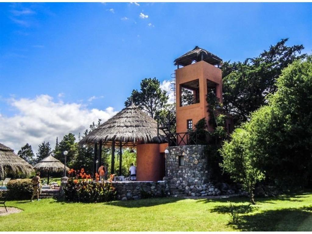 Hotel Ubicado en las Sierras Chicas, en el Valle de Punilla, entre Villa Giardino y La Cumbre