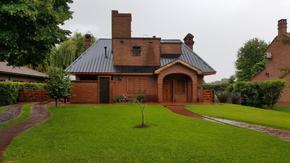 Casa en La Martona con fondo libre