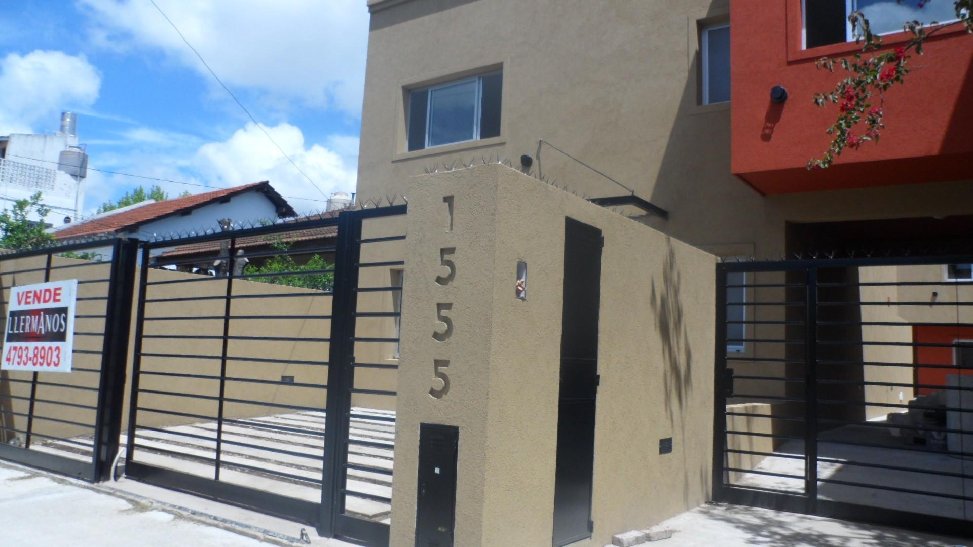 Apto Credito  Duplex Moderno de Categoría 4 Ambientes 2 Plantas Jardín 70mts A 5' Panamericana