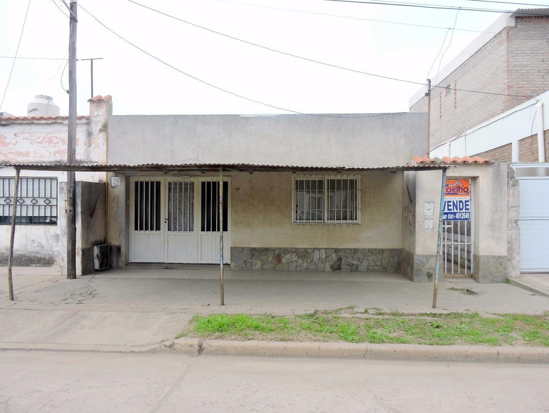 Venta casa 2 dormitorios Capitan Bermudez