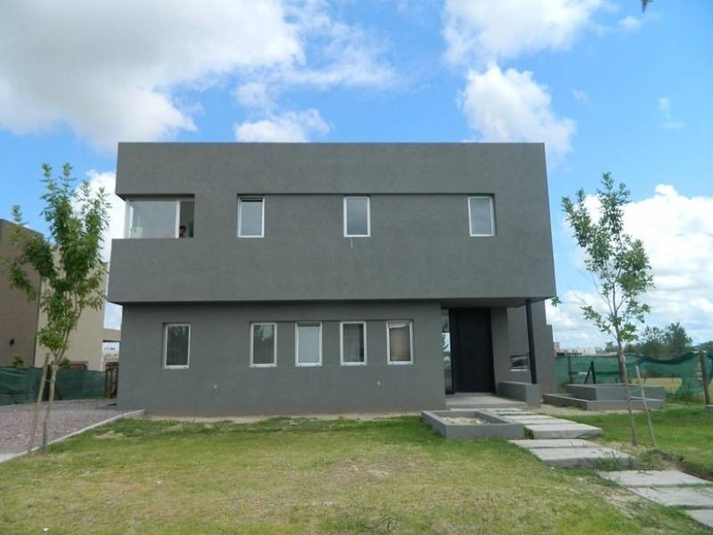 Casa a la laguna en venta en Barrio  san Rafael, Villa Nueva, Tigre