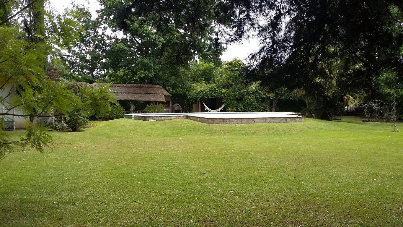 Hermosa casa con gran parque y pileta en Exaltación de la Cruz