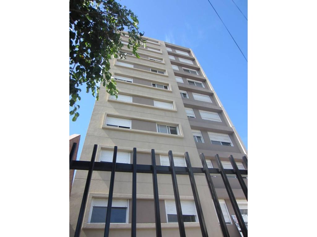Venta de Departamento en Edificio Lagrave zona Pilar, Gran Bs.As., Argentina,