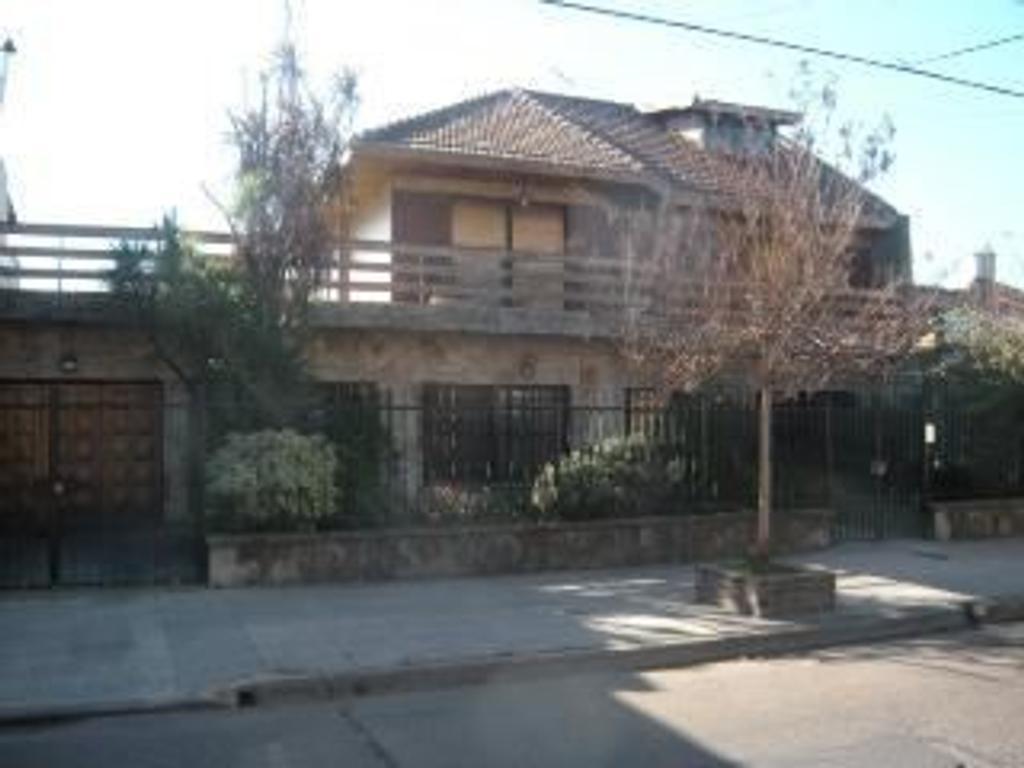 Casa en Venta de 7 ambientes en Buenos Aires, Pdo. de General San Martin, San Andres