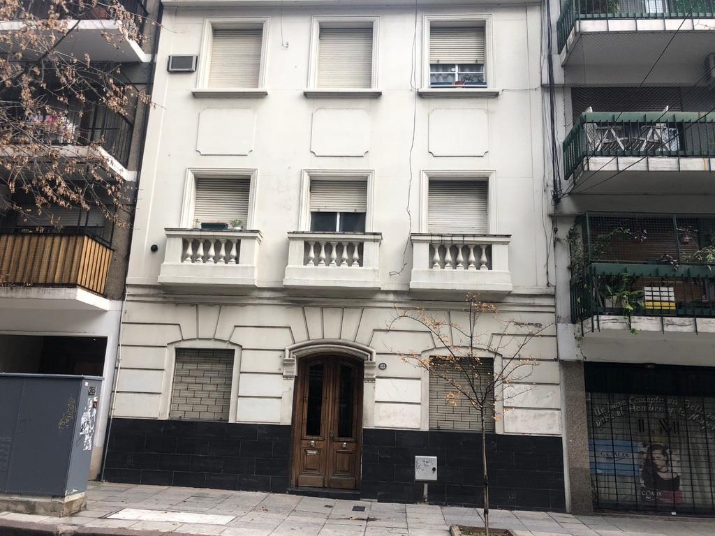 Barrio Norte 2 ambientes al frente oportunidad!! Mansilla y Cnel Diaz.-
