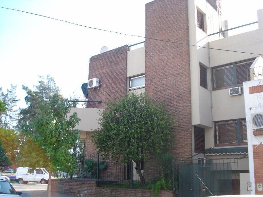 General Paz 8900 Villa Real  casa 210m2 escelente ubicación