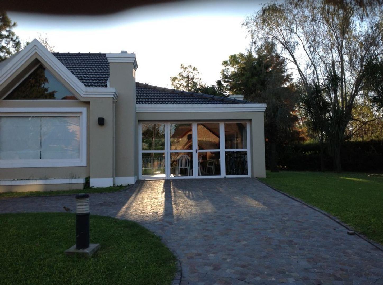 Casa  en Venta  C.C. Banco Provincia, Zona Oeste - OES0521_LP83525_1