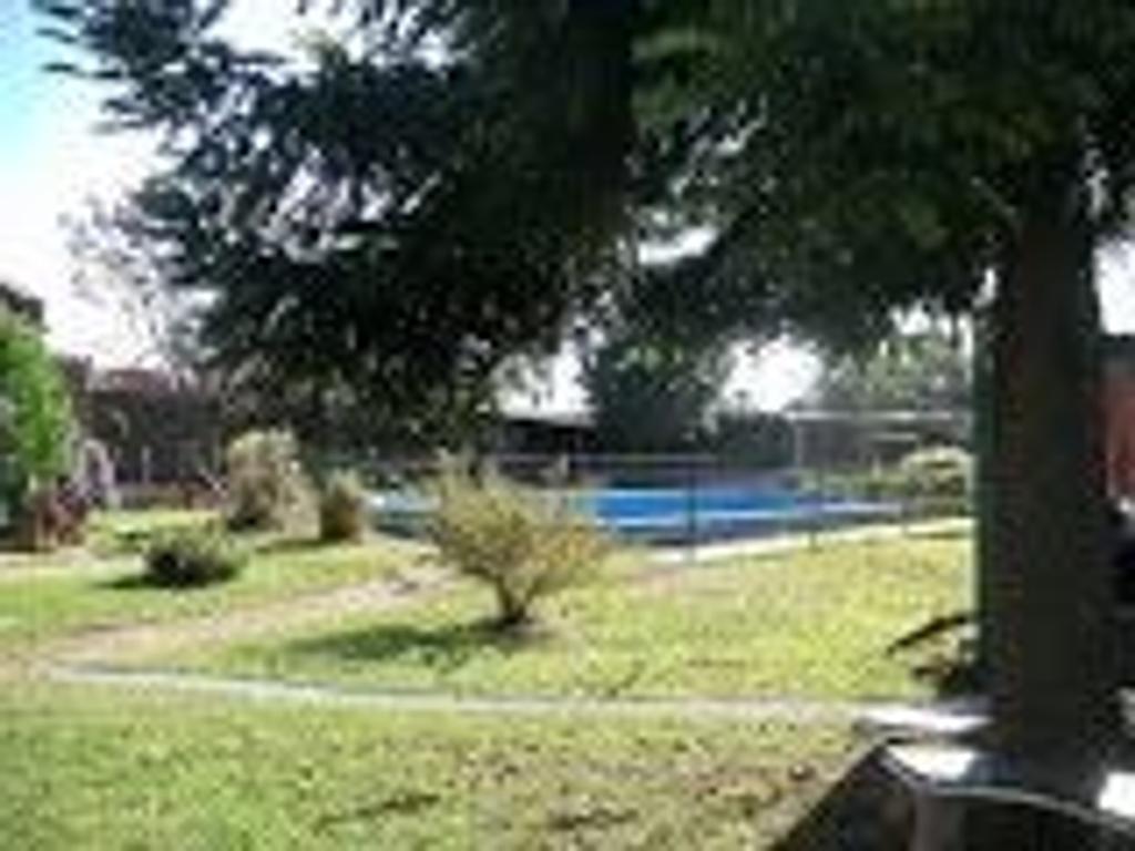 Casa quinta con pileta en La Plata