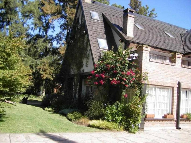 Casa en Alquiler ubicado en Highland Park CC