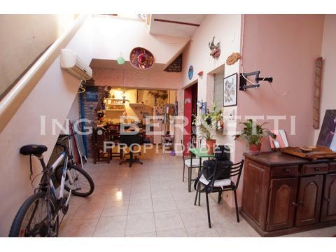 - RESERVADO -  Tipo Casa 3 amb + escritorio + terraza - Muy buena ubicación -