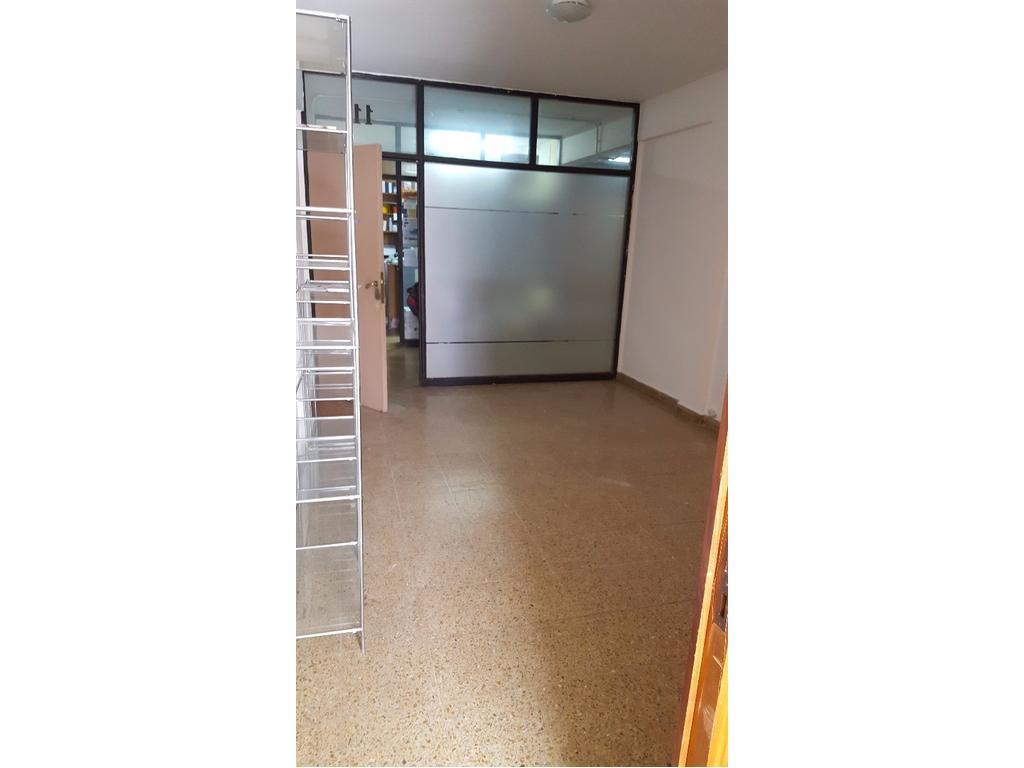 Galería Norte - La Rioja 33 - 25 m2 - Sala + privado - Se escuchan Ofertas!