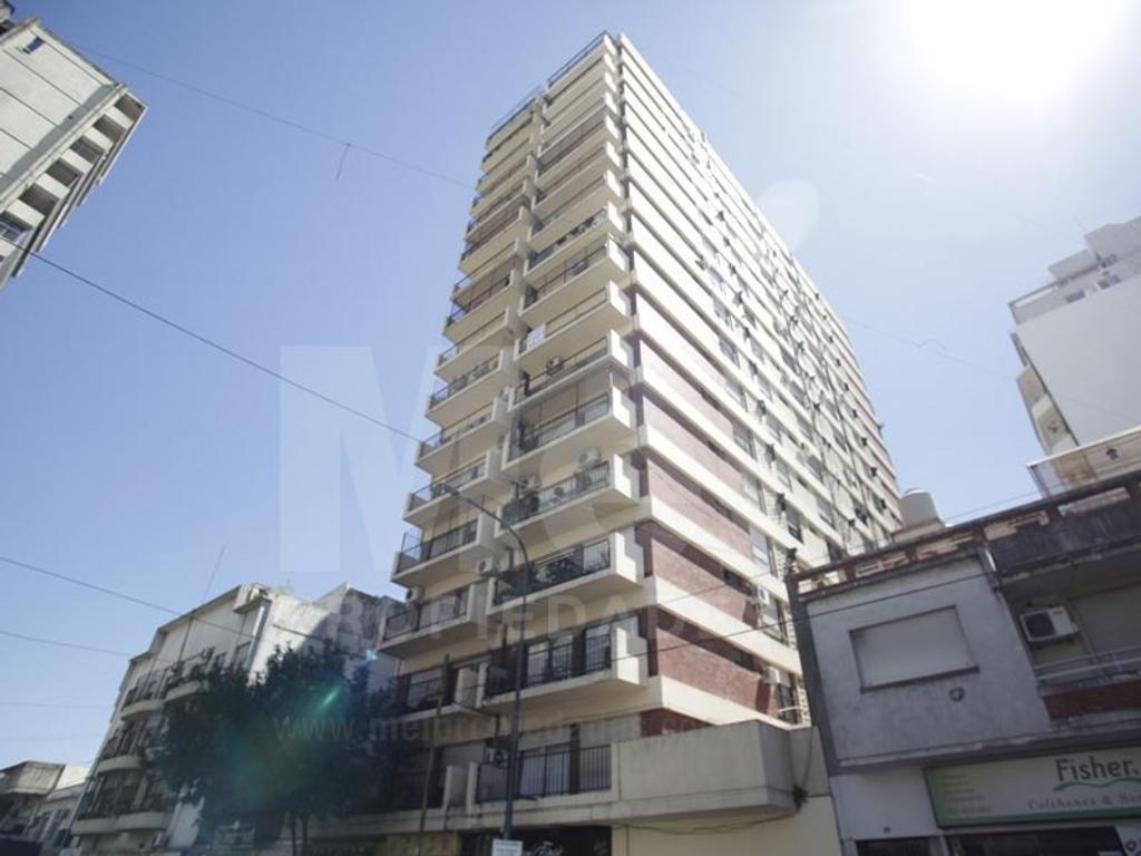 Departamento Duplex en Venta con Renta con Cochera cubierta.