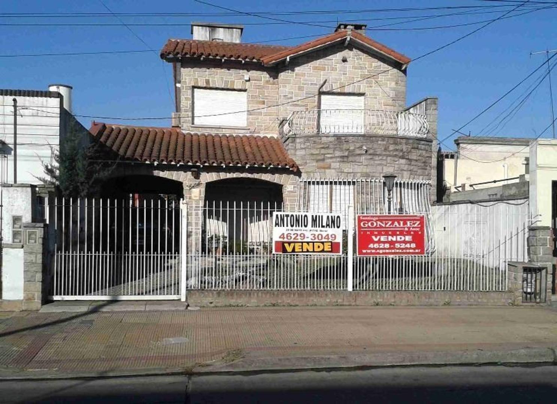 Chalet  Moron Sur. lote ideal para edificios