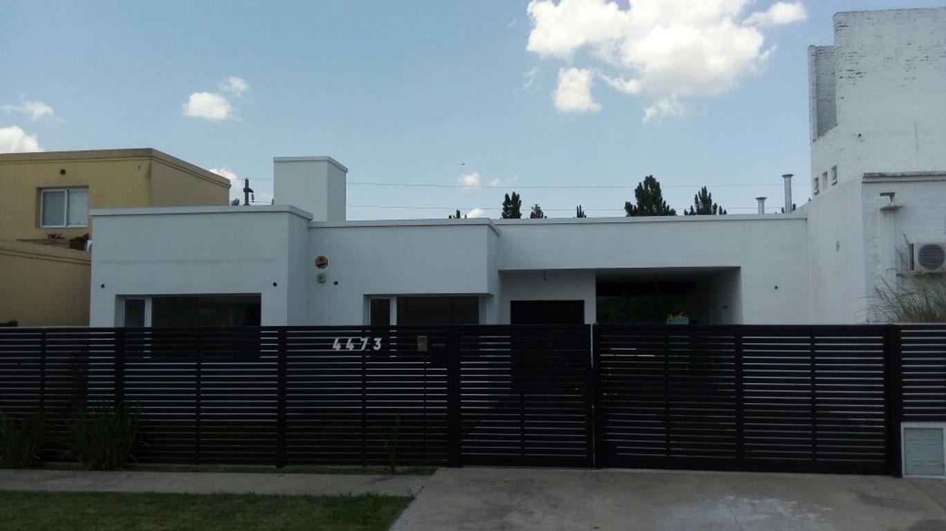 Casa de tres dormitorios a estrenar con gran pileta en Funes Cantegrill