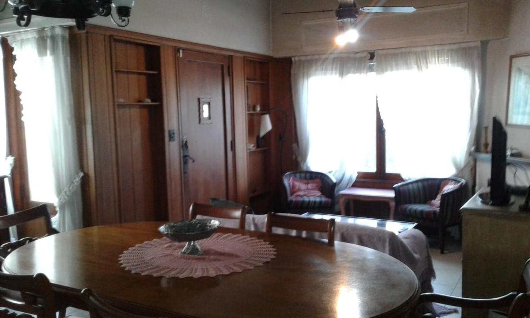 Casa en General Pacheco con 4 habitaciones