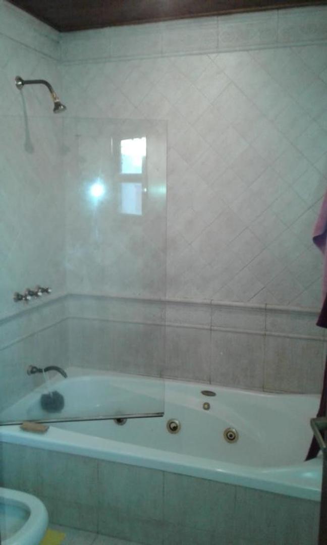 Muy lindo chalet de 4 dorm, 2 baños   2 toilette  en Pacheco - Foto 15