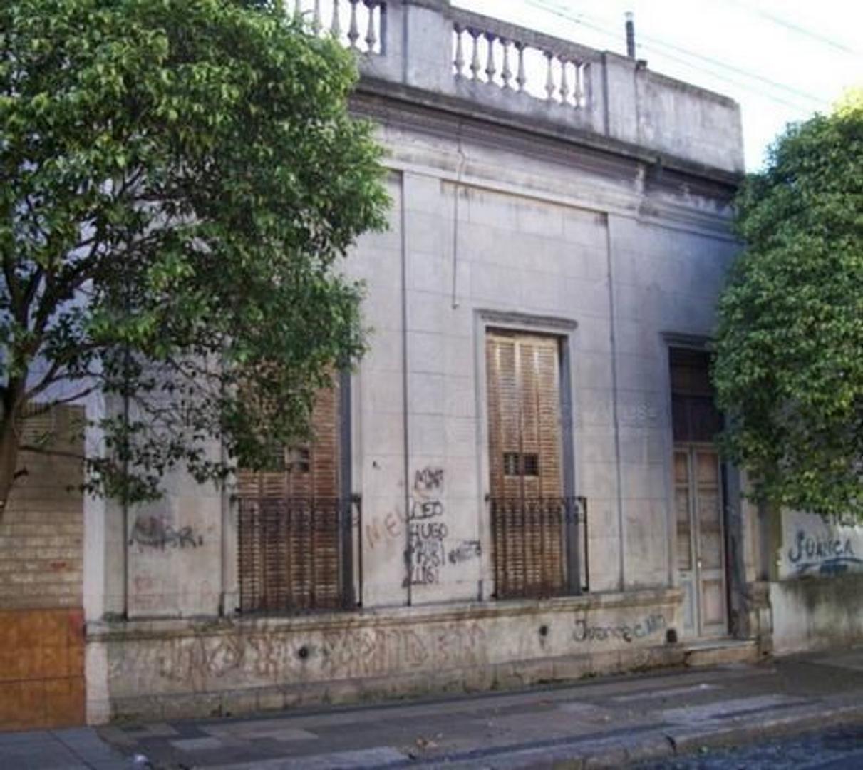 Zelaya 3100, lote de Frente (m): 8.66 Fondo (m):21.71.- Código de Planeamiento Urbano:R2b I