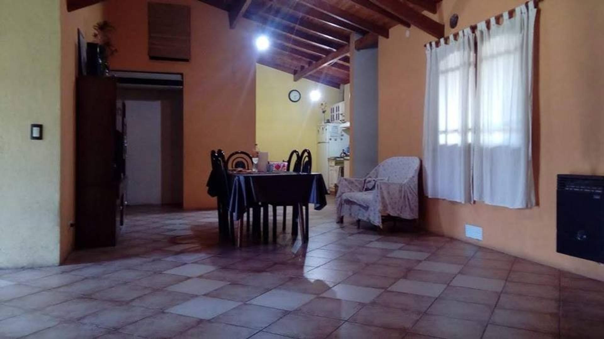 Casa en Venta - 4 ambientes - USD 160.000