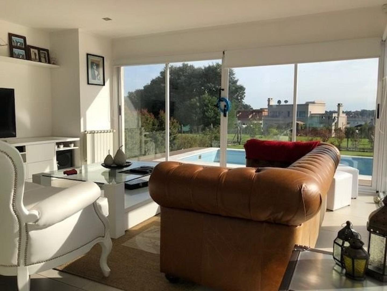 Casa en Alquiler - 7 ambientes -