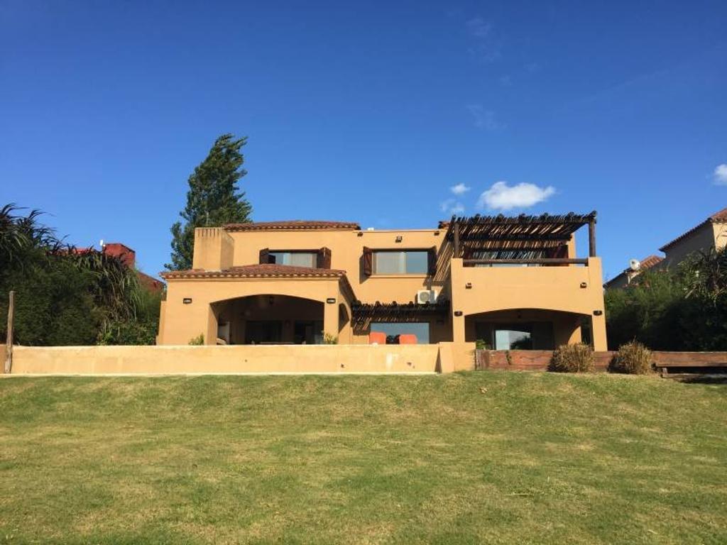 Casa a la venta en Barrio San Agustin