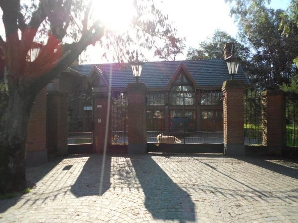 Excelente casa en alquiler - Barrio Link - Ezeiza