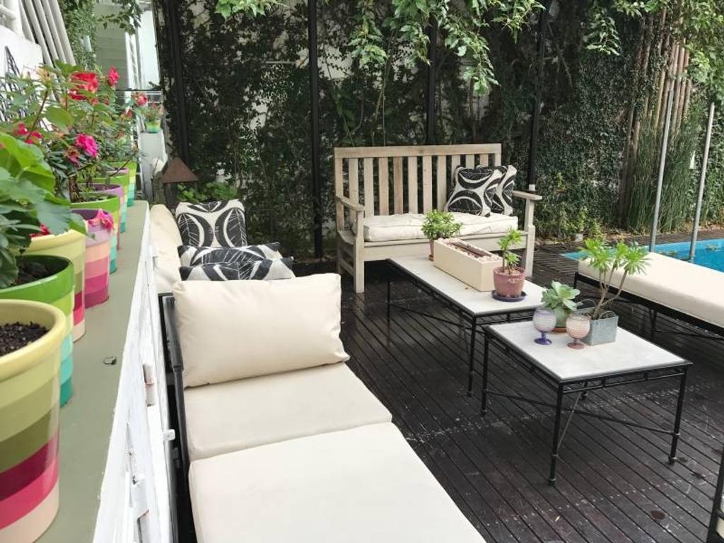 Venta gran casa con jardín en inmejorable zona de Nuñez.