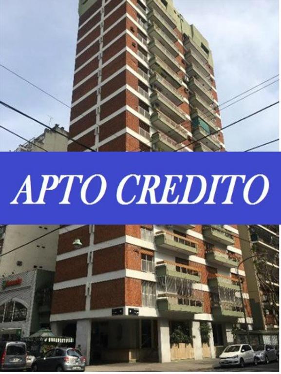SEMIPISO DE CUATRO AMBIENTES CON DEPENDENCIA, COCHERA Y BAULERA EN VENTA EN BELGRANO/LA IMPRENTA
