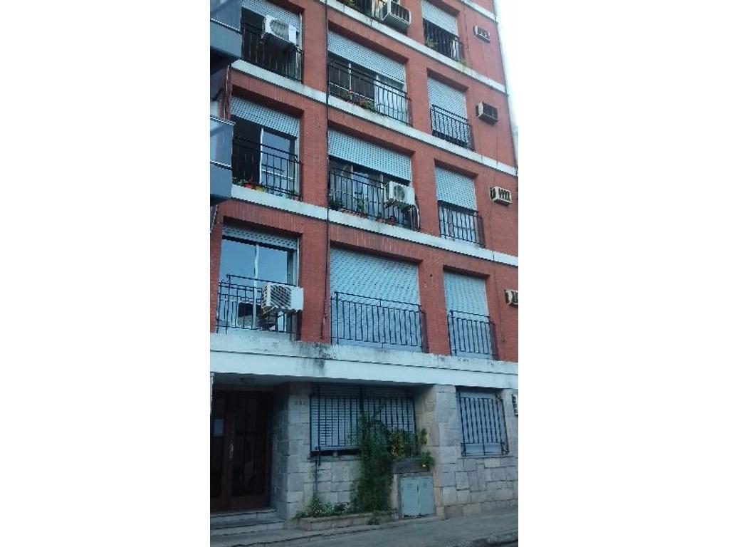 Venta 2 dormitorios + dependencia. Urquiza / Maipu