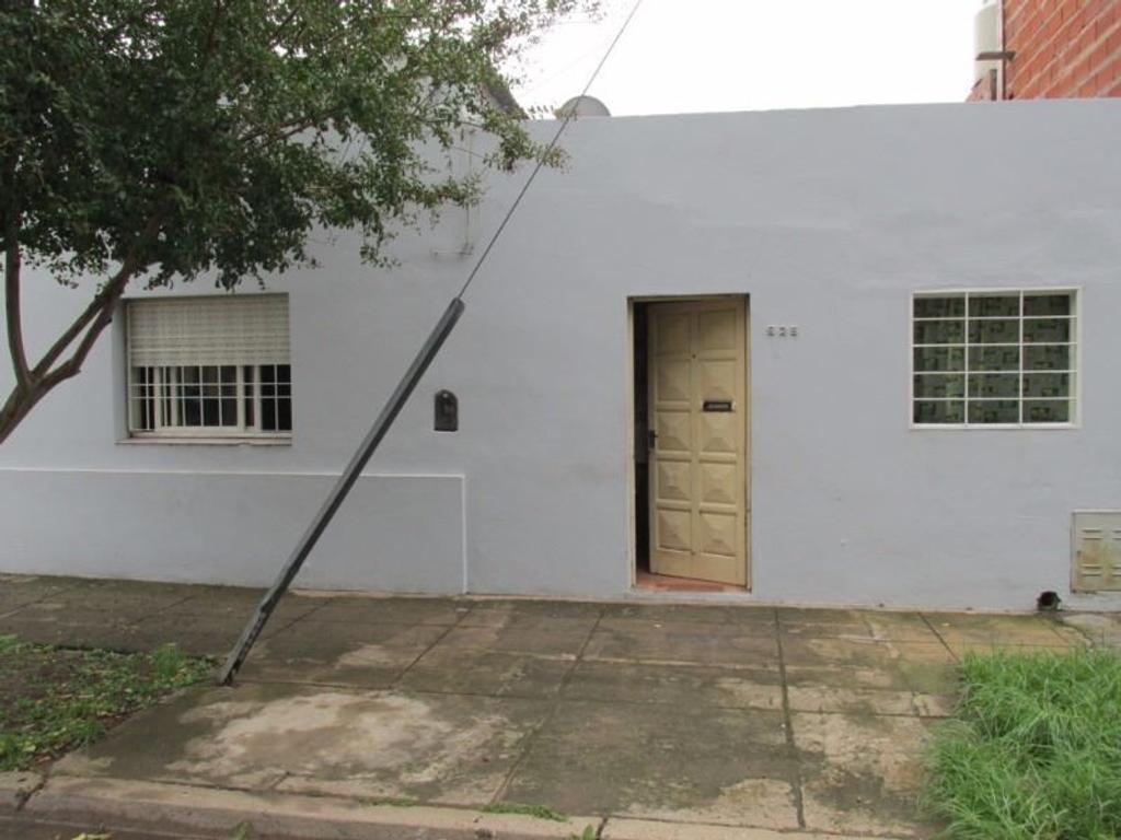 Casa 2 Dormitorios - San Pedro (B)