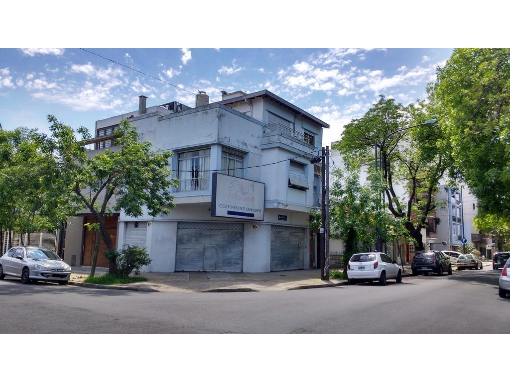 Excelente propiedad en Villa Devoto, local, vivienda, quincho y terraza
