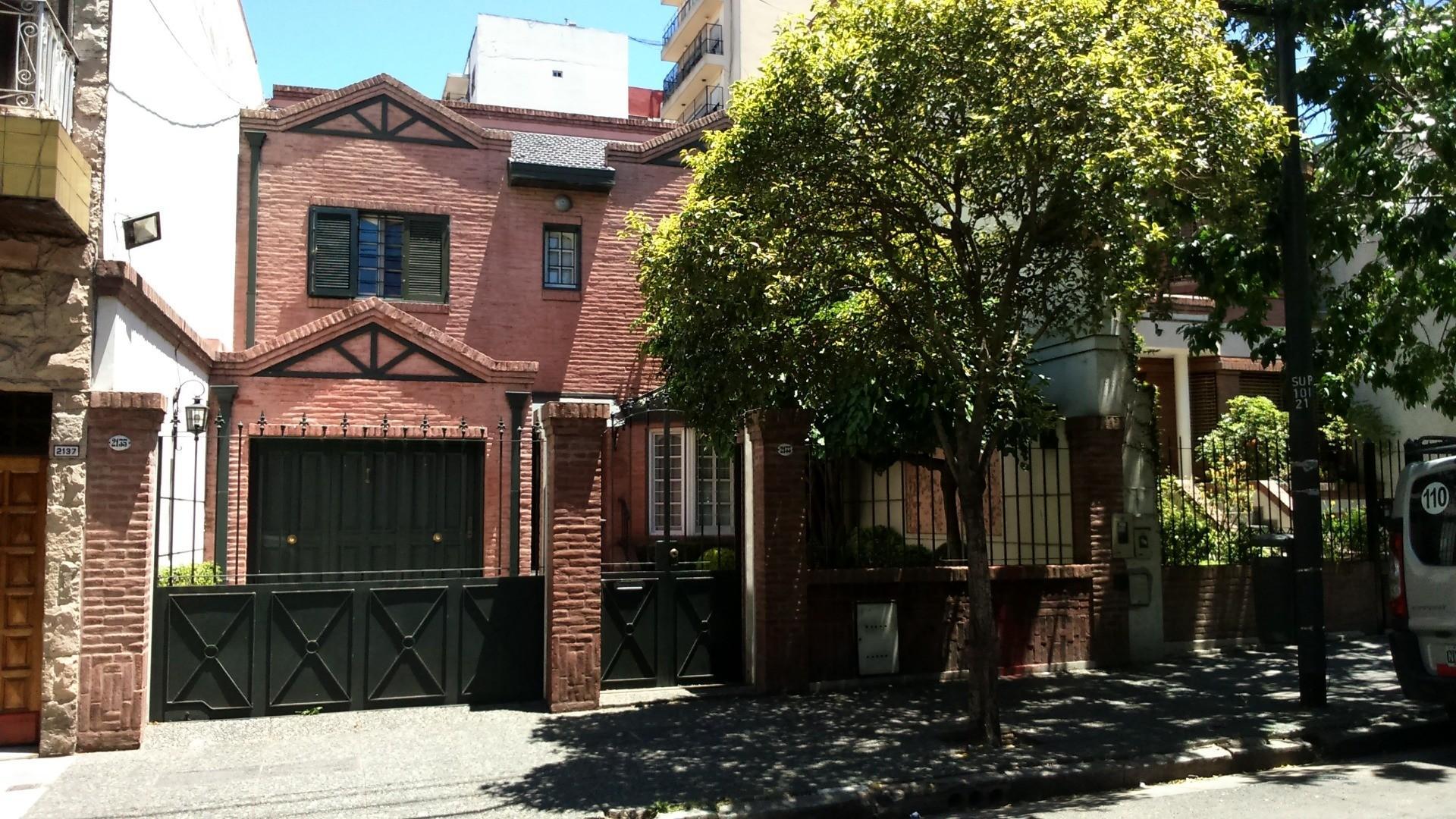 Casa 8.52 x 43.32 en excelente ubicación dentro de Parque de los Patricios.