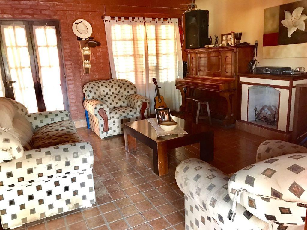 Venta Hermosa casa en Y. Buena ubicada en el Barrio Portal de San Javier