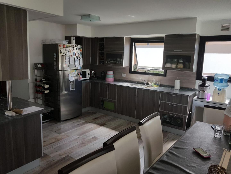 Casa en venta en gral miguel soler 200 adrogue for Casa minimalista con quincho