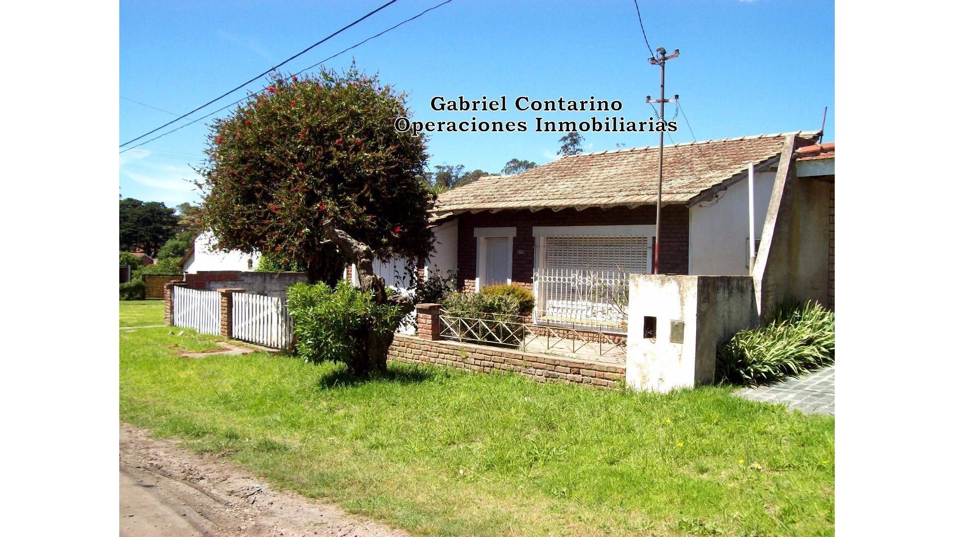 EXCELENTE CHALET 3 AMB. CON PARQUE Y COCHERA