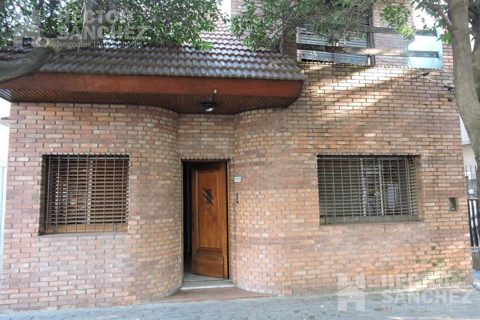 Casa en Venta en Moron - 5 ambientes