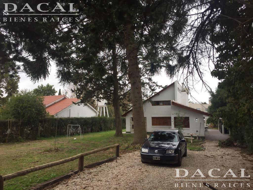 Casa en venta en City Bell Calle 454 e/ 28 y 28 bis Dacal Bienes Raices