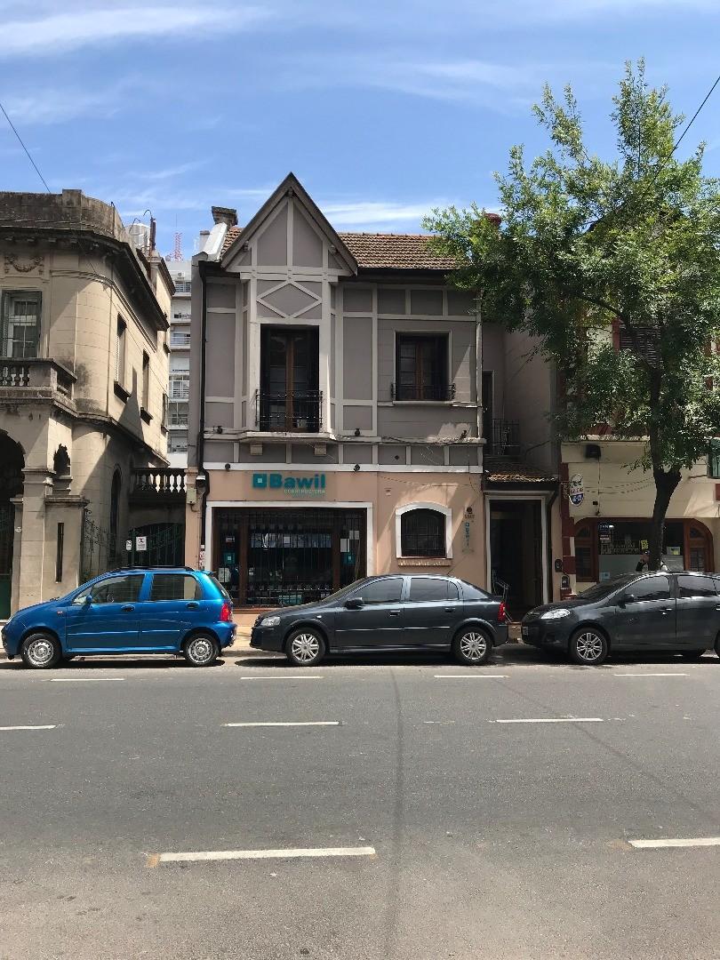 CASA USO COMERCIAL en VILLA URQUIZA - Zona Centro Comercial