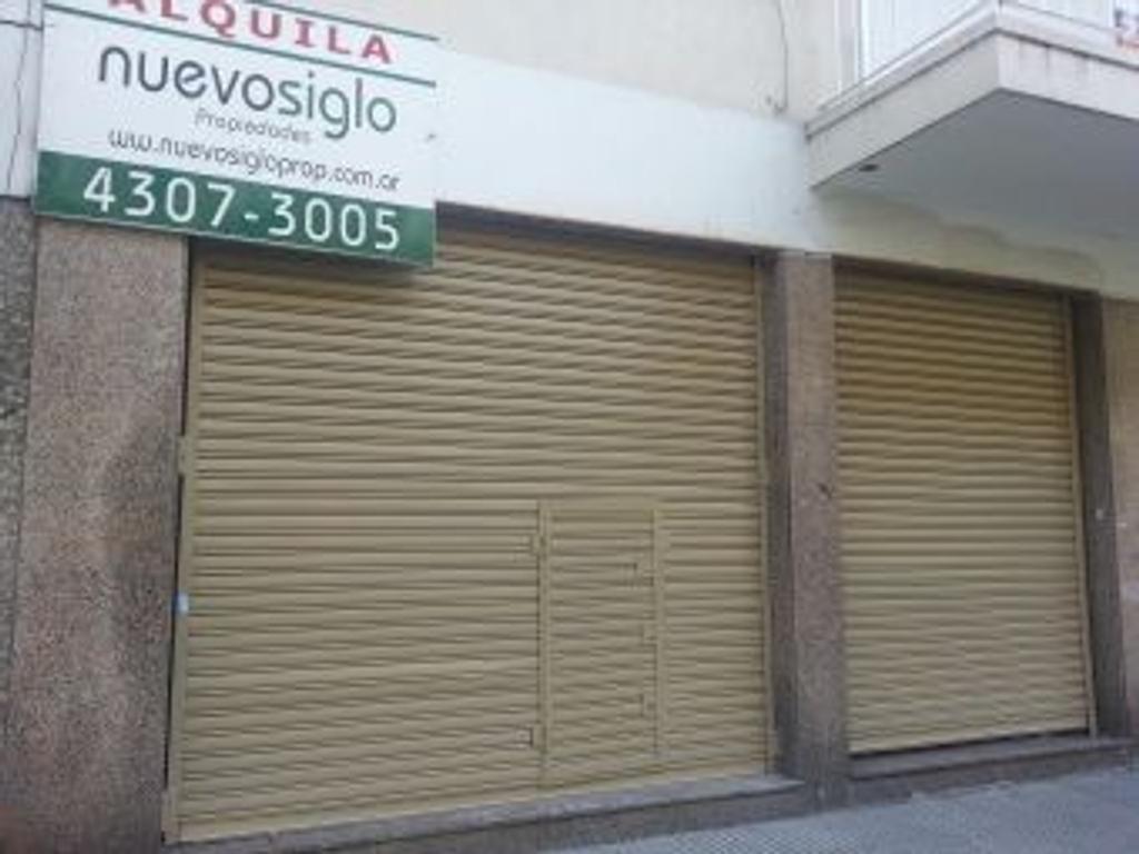 EN ALQUILER - BARRACAS - LOCAL - A pasos de Av. Martín García y de la Av. Patricios