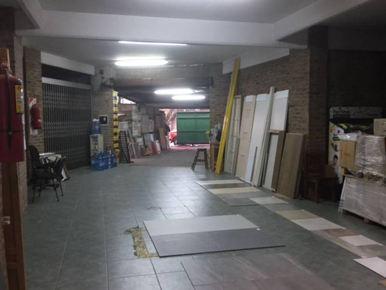 Alquiler de Local comercial / oficina - Colectora ramal Tigre