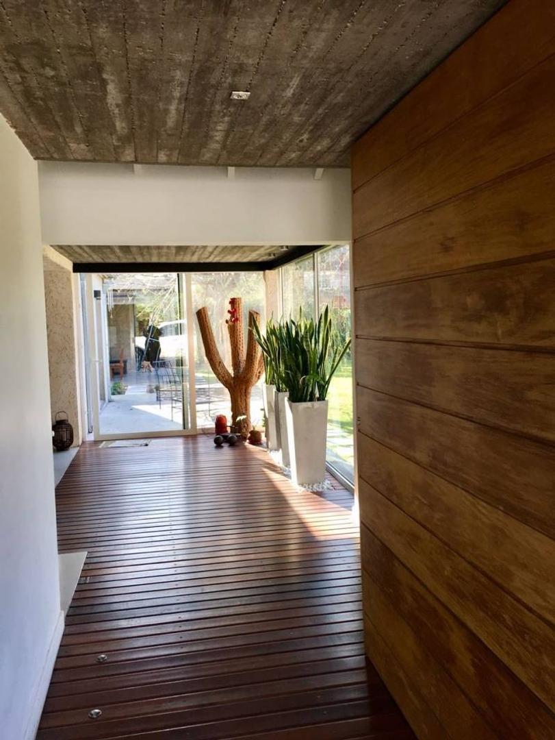 Casa - 180 m² | 3 dormitorios | 4 baños