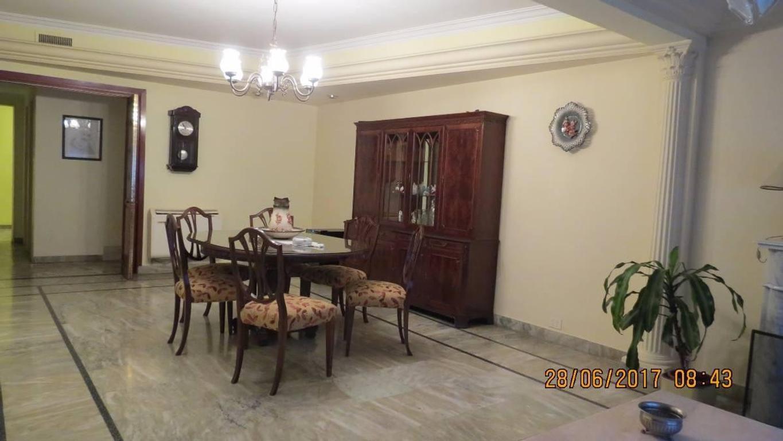 Excepcional casa sobre lote propio de 10m x 27m a cuadras de Av Rivadavia