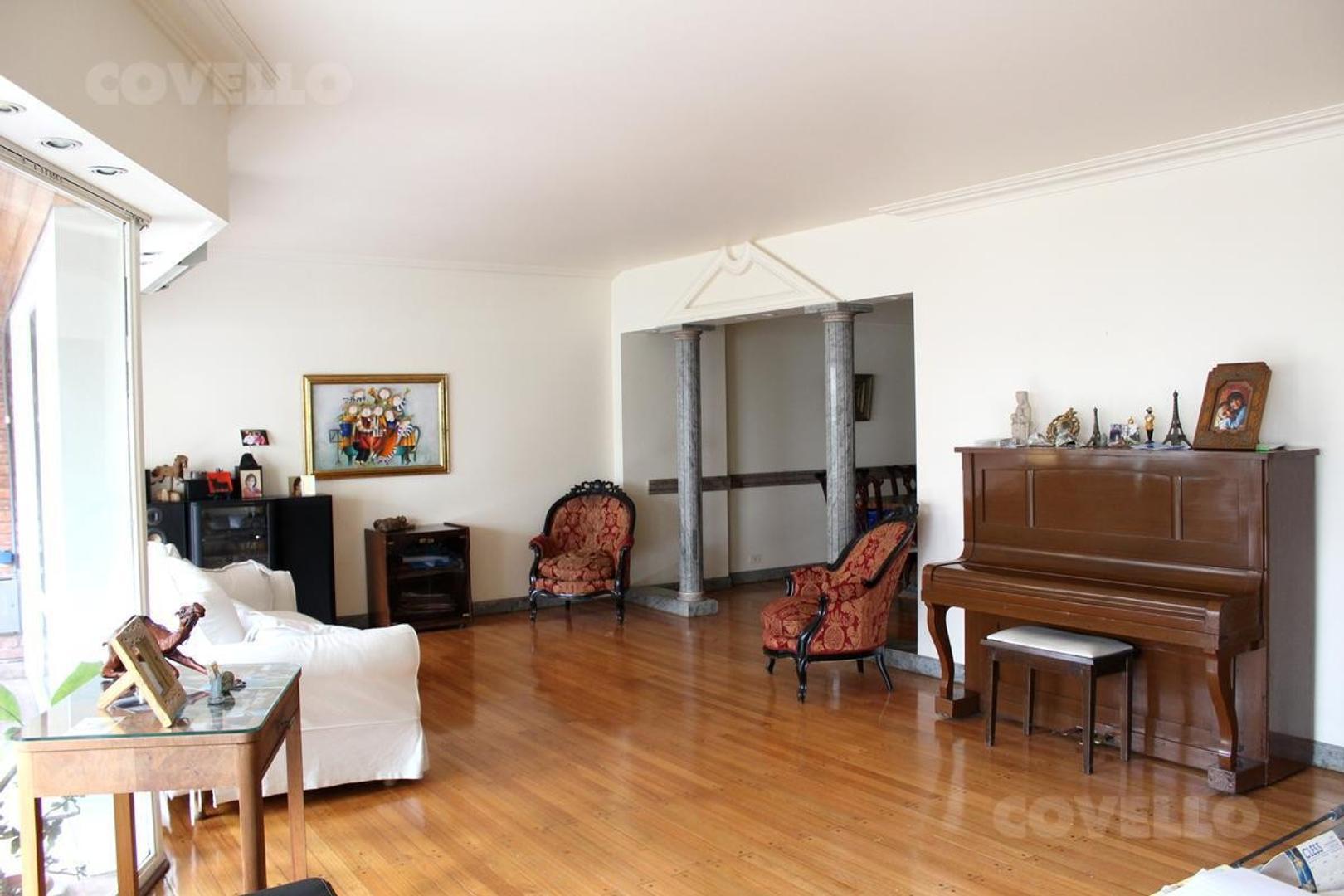 Venta departamento de 4 ambientes con 2 cocheras
