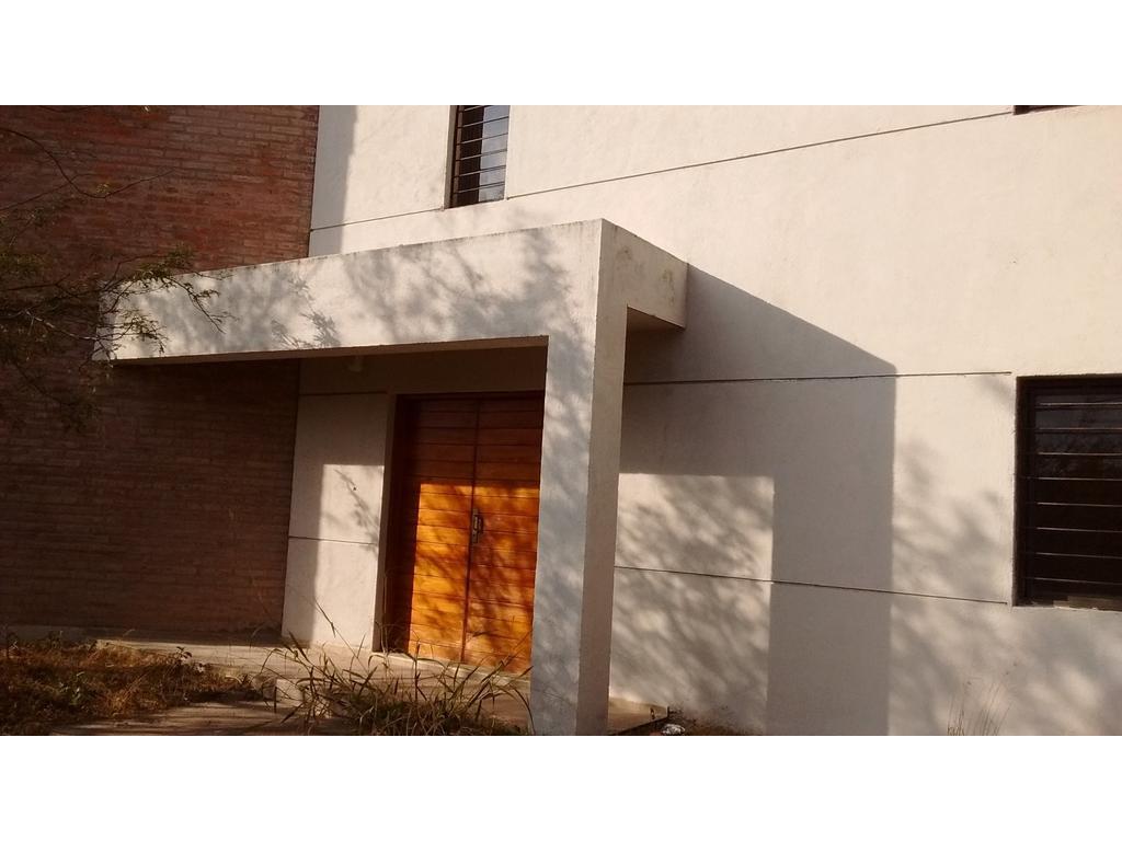 Mendiolaza Centro excelente propiedad