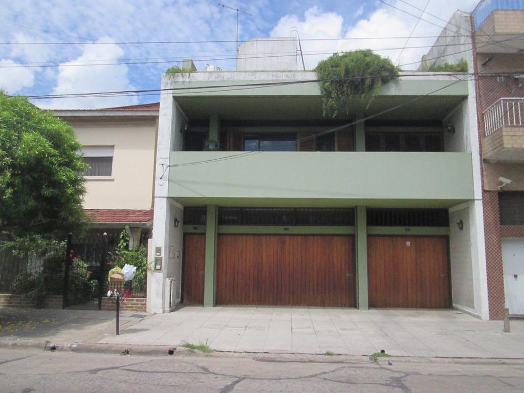 casa s/lote 8.66x 27 4 amb.garage  patio tza + galpon loza (total: 364 mts2 cub.)