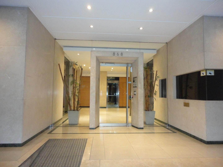 IMPORTANTE VER EL VIDEO- 3 ambientes con Balcon y cochera con garita de seguridad excelente ubicació