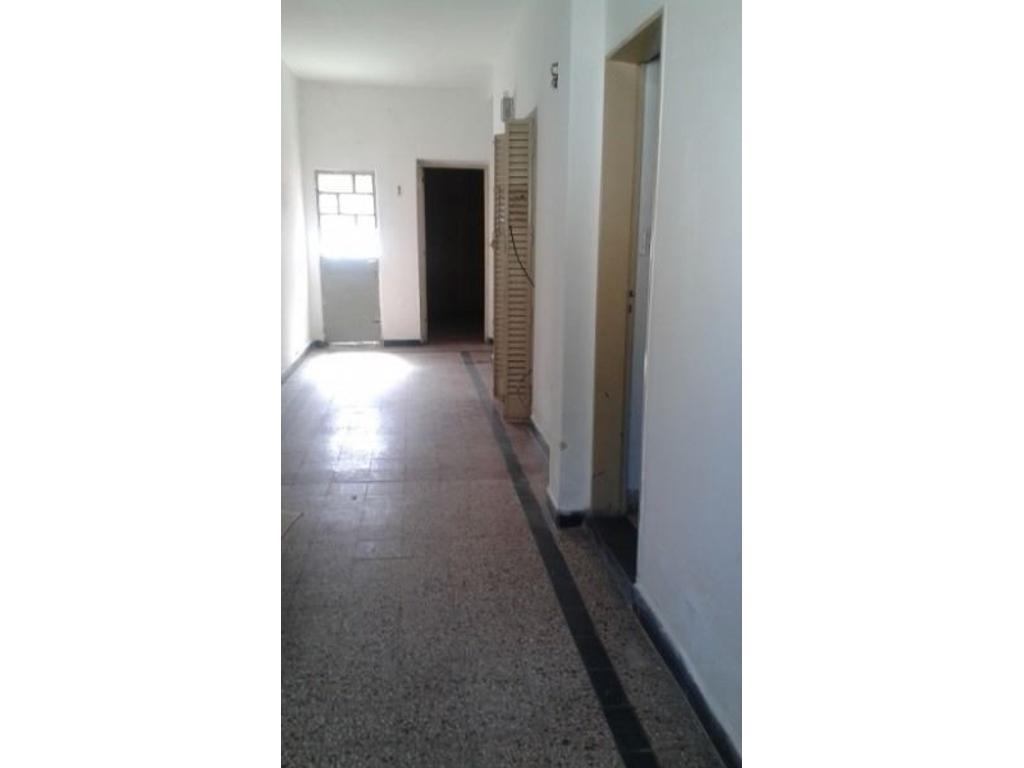 CASA 2 DORMITORIOS - ARROYITO - APTA PARA CONSTRUCCIÓN