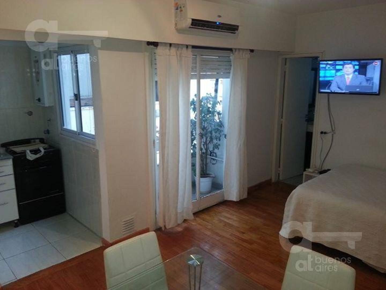 Palermo. Ambiente y medio con balcón. Alquiler temporario sin garantía