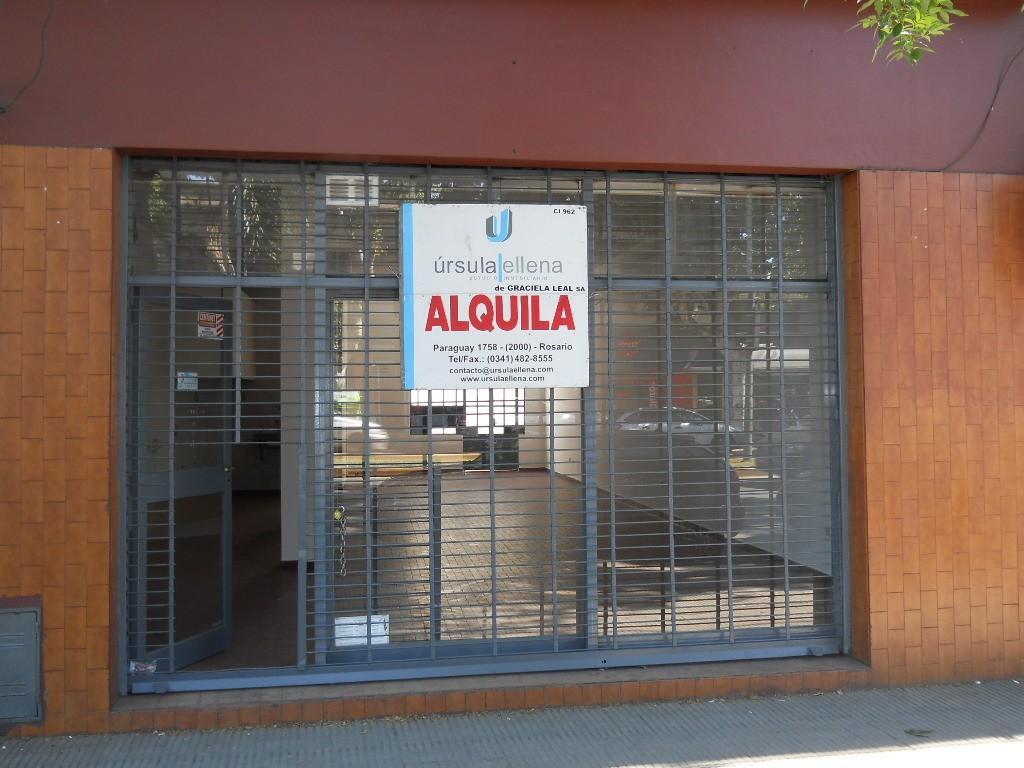 Local 80 m2 en Pte Peron 3500. Apto Gastronomico.